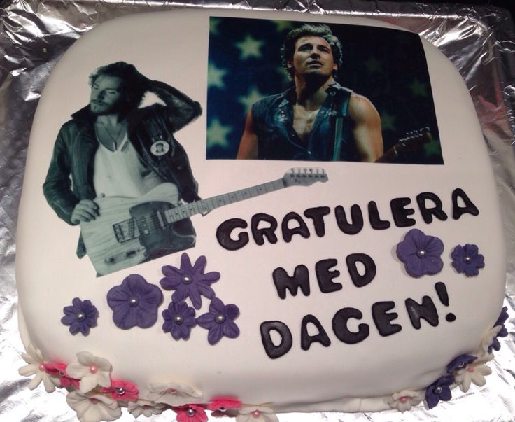 Bruce Springsteen cake  Edible picture, marshmallow fondant and vanilla cake  @bakkerita