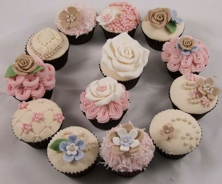 shabby chic cupcakes shabby chic pinterest shabby chic cupcakes cake and cup cakes. Black Bedroom Furniture Sets. Home Design Ideas