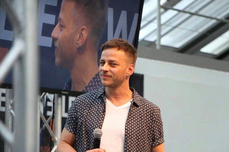 Tom Wlaschiha talking about GOT and Crossing Lines at Comic Con Austria Source: @screencapsstars From: https://www.facebook.com/tomwlaschihafanpage/