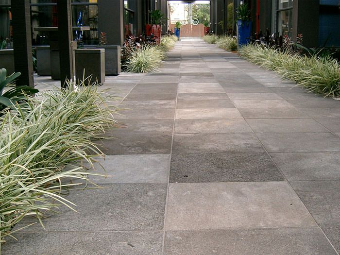 Stone project gallery of stone paving, stone pebbles, stone tiles, tiles & mosaics, walling & veneers displaying excellent quality and range.