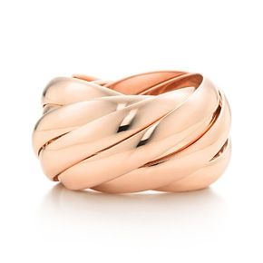 Paloma's Calife ring in 18k rose gold.