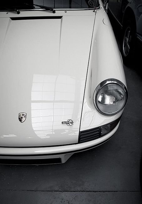 "911 Carrera RS 2.7 found on ""me & my bentley"""