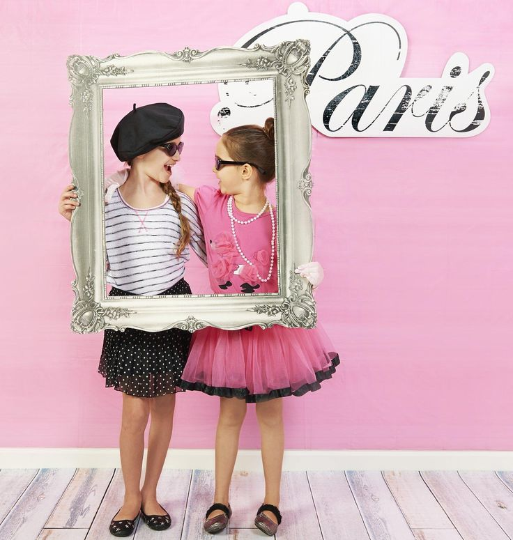 Paris Damask - Photo Booth Kit from BirthdayExpress.com