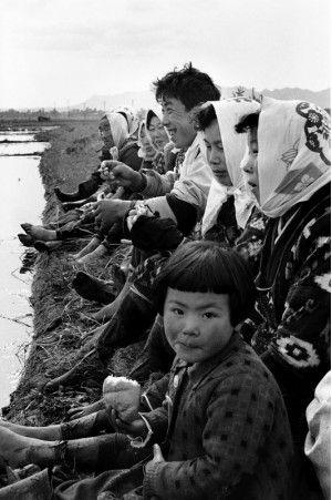 秋田・六郷町 1957. 06 / Akita Japan by Kimura Ihei