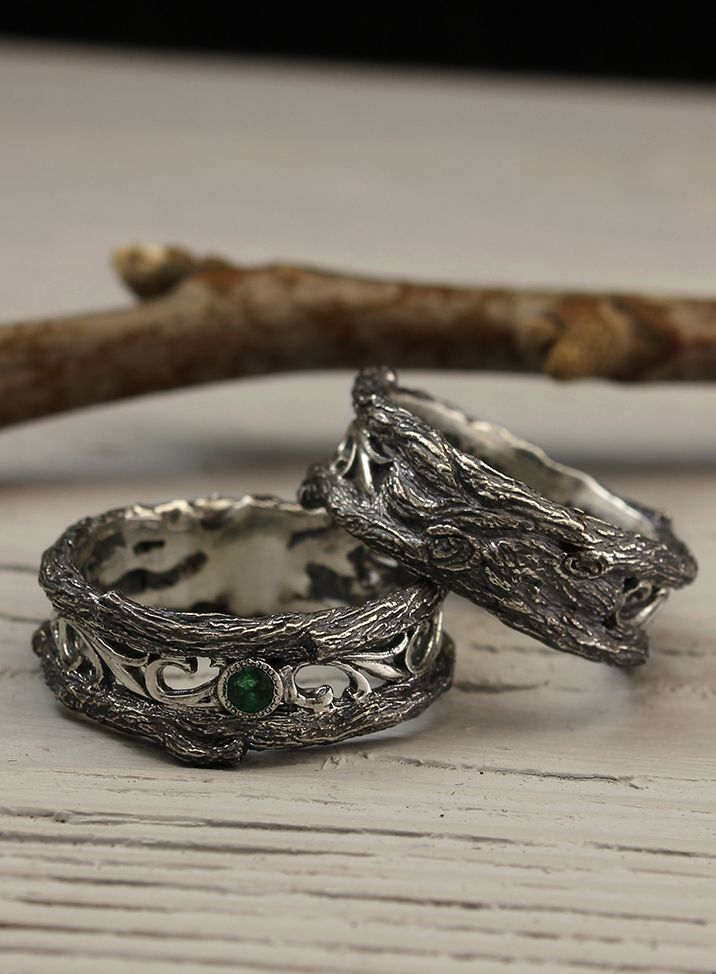 Vintage Style Tree Wedding Bands Set With Emeralds His And Etsy In 2020 Vintage Wedding Band Gold Matching Wedding Rings Wedding Rings Vintage