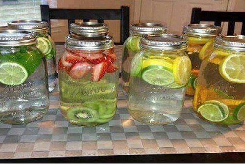 Water met een smaakje – 8 geneeskrachtige recepten