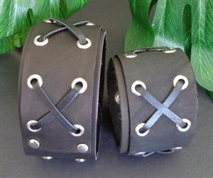 Picture of  LEATHER CUFF - BLACK $20.00