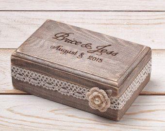 Rústica caja de la almohadilla del por InesesWeddingGallery en Etsy