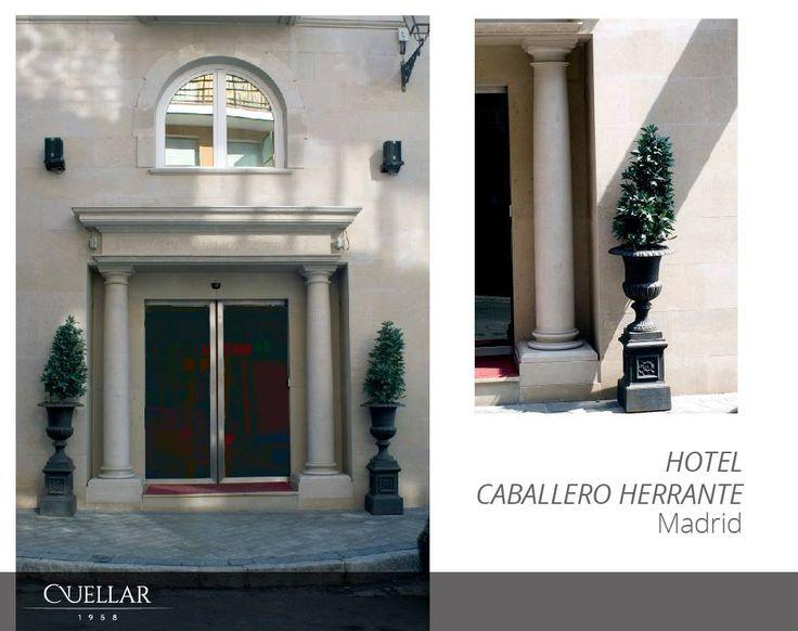 Aquí os traemos la fachada del Hotel Caballero Herrante de Madrid. Nos encargamos de la reforma interior y exterior y para ello usamos Crema Cenia. Puedes encontrar más información sobre él en: http://www.hotelcaballeroerrante.com/