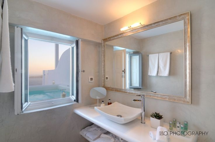 Unparalleled lavishness with a stunning view…Experience Santorini at Aqua Luxury Suites! More at aquasuites.gr