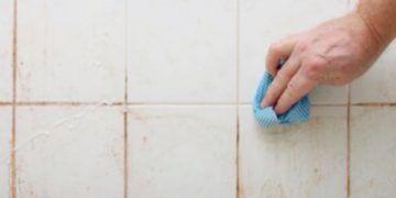 Une méthode simple pour que les joints restent propres plus longtemps - Astuces de grand mère