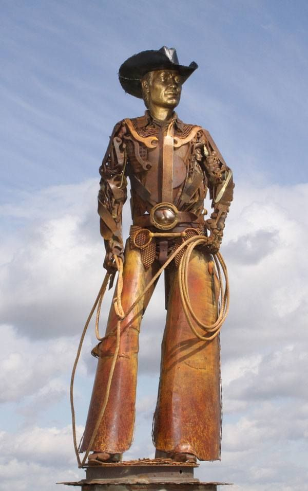 Best Metal Art Images On Pinterest Metal Art Wood And Art - Artist creates incredible sculptures welding together old farming equipment