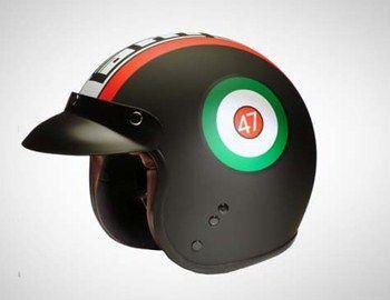 Δίπλα στο μύθο της Vespa υπάρχει και ο αντίστοιχος ενός iconic Italian brand της Lambretta. Τα scooter της φίρμας έγραψαν τη δική τους ιστορία. Ως ένα είδος φόρου τιμής στην κλασική εκείνη εποχή τα Heritage
