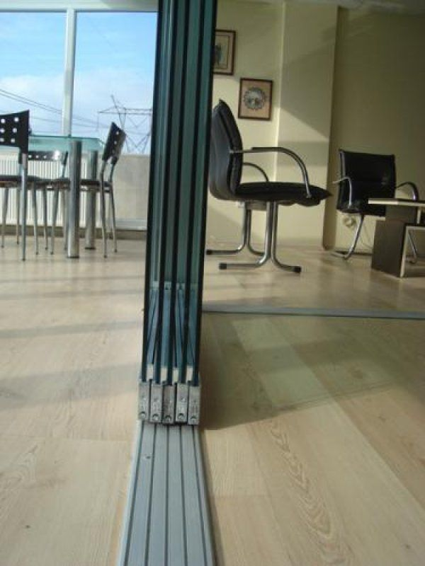 Sürme eşiksiz cam balkon cam oda veya ofis bölme sistemleri