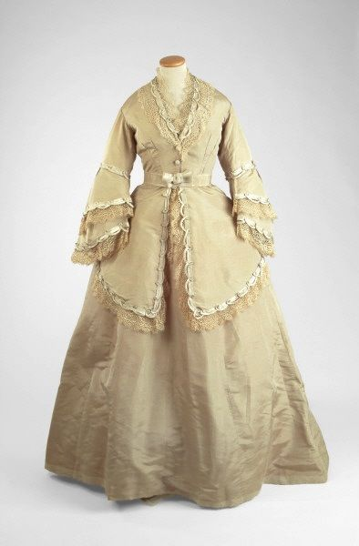 : 1870 S Fashion, Prints Dresses, Exquisit History Dresses, Bridesmaid Dresses, Historical Fashion, 1860S Fashion, Jackets Style, Bridesmaid Gowns, Antiques Fashion