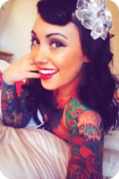 SO gorgeous! Tattoos truly are works of art! I feel like this is a cute wedding look too!