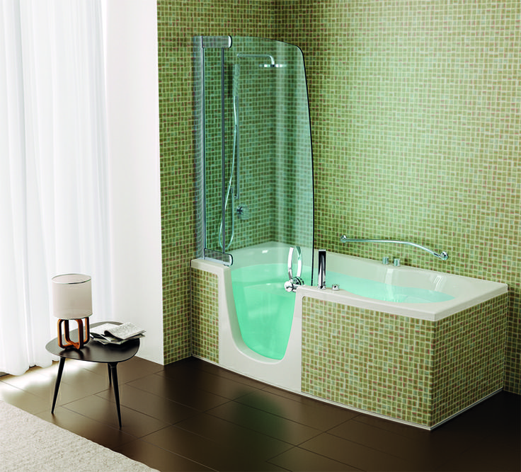 Combi units are good solutions for family #bathrooms: #shower and #tubs always at your disposal in the same space #Teuco #mosaic