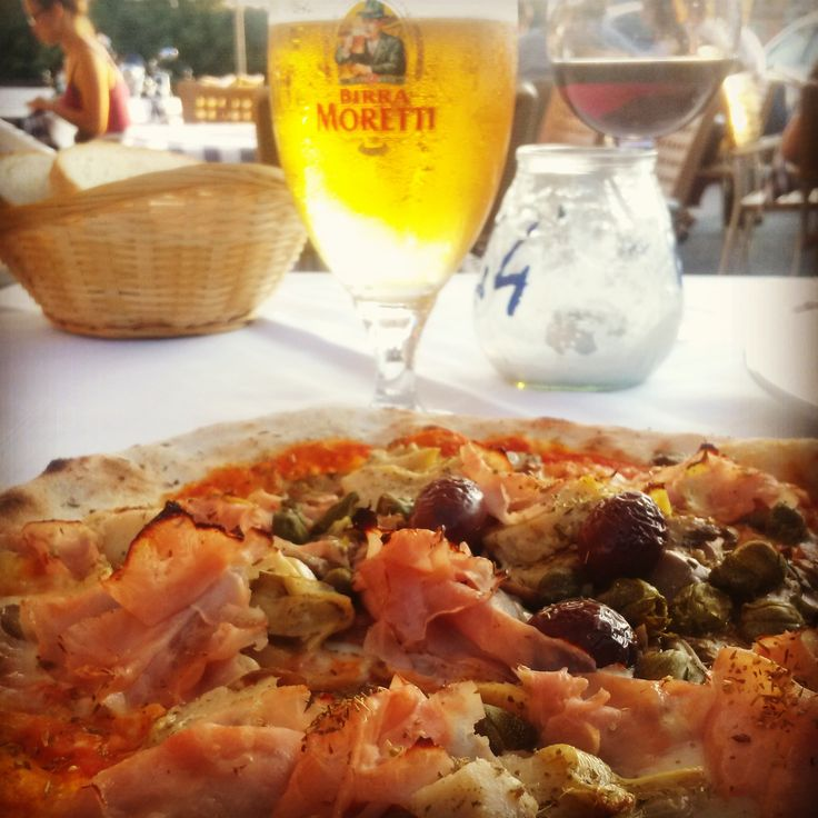 Pizza in Verona #pizza #verona #vacation #beer #moretti #birra #capricciosa #italy