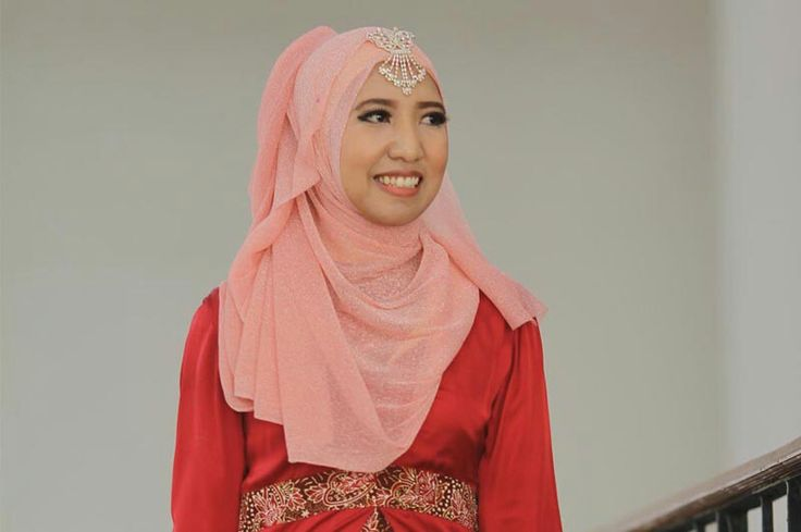 Qurrotul A'yun, 24 years old from Indonesia. View her full biography and vote her to be The World Muslimah 2014. http://tinyurl.com/wma2014-09071402 #nominee #onlineaudition #WorldMuslimah2014