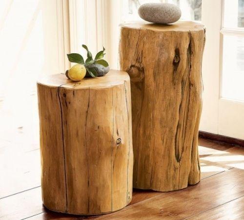 tronc d'arbre à l'intérieur comme support décoratif