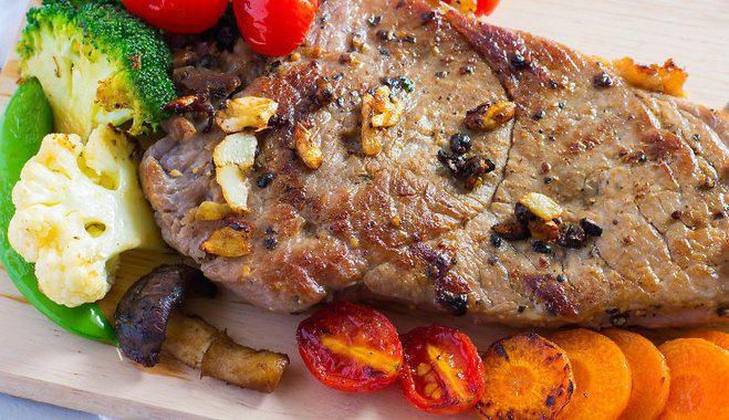 Как сделать мясо тающим во рту: 5 рецептов маринада / Готовим дома как в ресторане / Блоги Миллион Меню