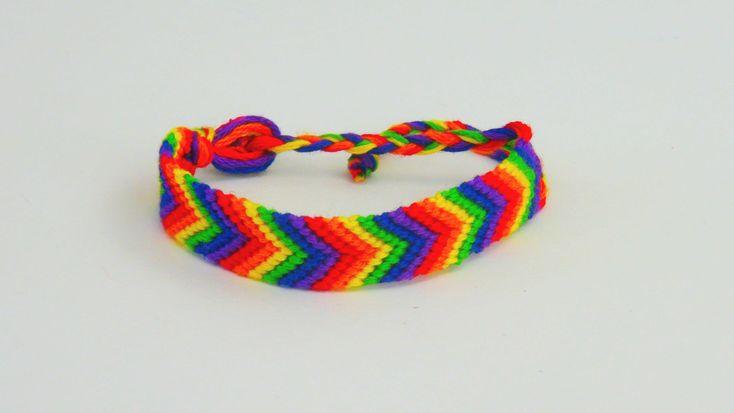 Armband knüpfen / Freundschaftsarmband mit Regenbogen Muster Baumwollarm...