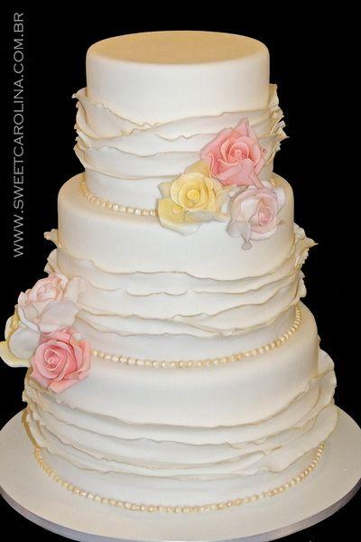 "Wedding Cakes Casamentos - Sweet Carolina ""The Art of Cake""_ Bolo casamento, ruffle, babado, branco, flores em acucar, dourado, vintage"