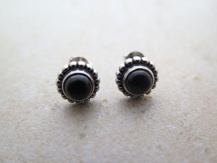 Silver Onyx earring / Onyx earring / Sterling silver Onyx earring / Gemstone earring / Boho earring /Antique earring/Onyx post/Bohemian post by MinimalBijoux on Etsy