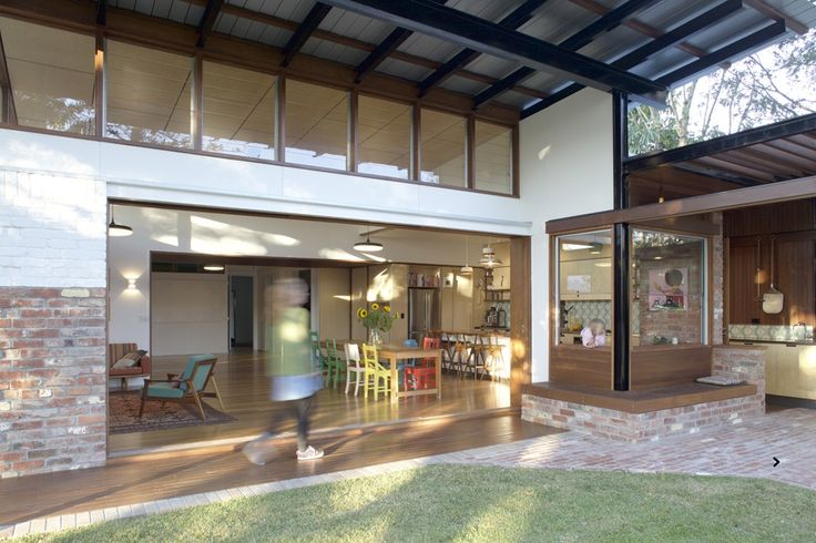 www.arcke.com.au. Bardon Garden House. #arcke #brisbanearchitect #contemporaryarchitecture #plywood