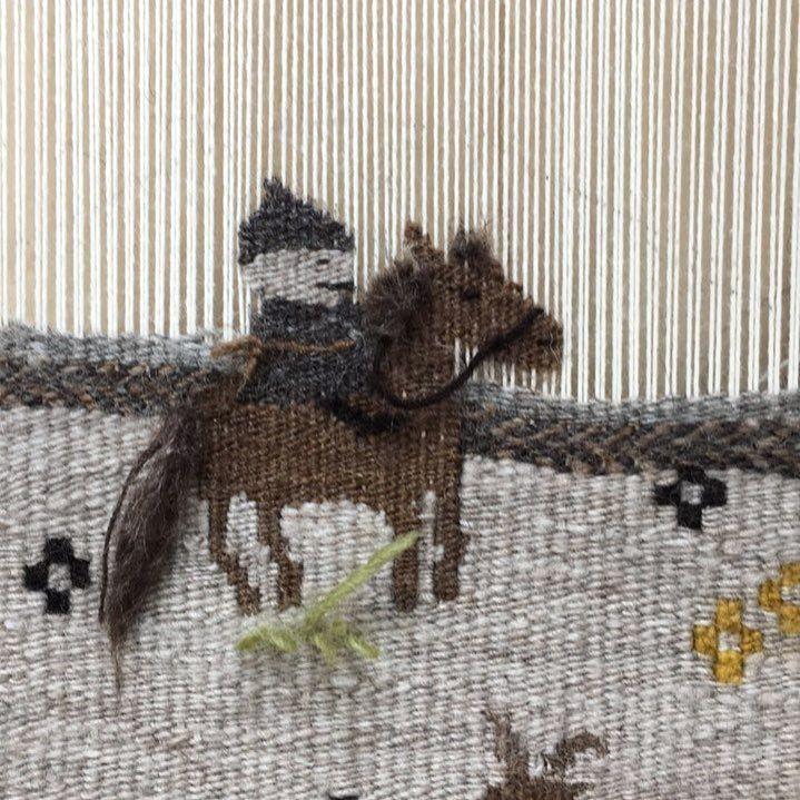 The person riding a horse * モンゴルに行った時に乗馬を体験しました。馬も織りたかったので、一頭だけ織物の中にいれました。 * #wool#weaving#handwoven#handspun#textileart#fiberart#handcrafted#handmade#weaversofinstagram#walldecor#art#dspattern#weaverfever#craftsposure#creativelifehappylife#creativityfound#fiberartist#prettylittlethings#wovenwallart#wovenwallhanging#手織り#手紡ぎ#織物#手仕事#ものづくり#馬