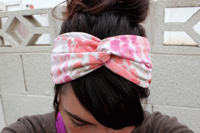 DIY headband.  All you need is a little bit of fabric!! Don't pay $15 for one on etsy...do it yourself