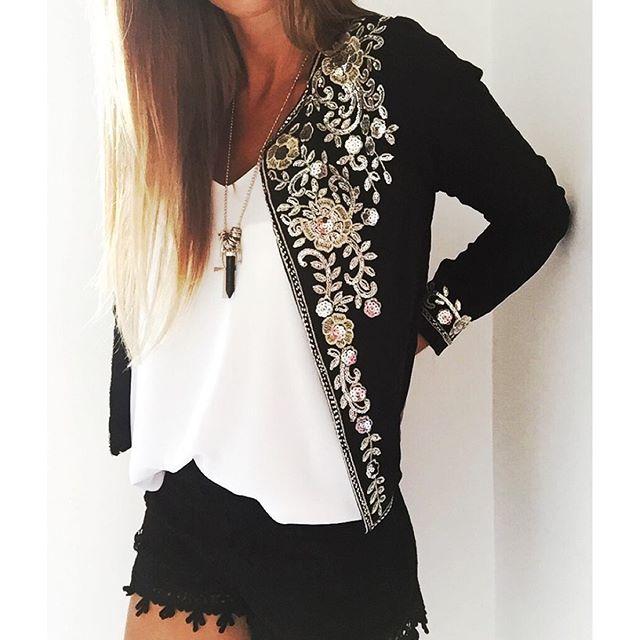 Instagram media noa_indumentaria - ⚡️ Nuevos sacos bordados! ⚡️ ➕ Básicas de tiras en natural, negro y bordó ➕