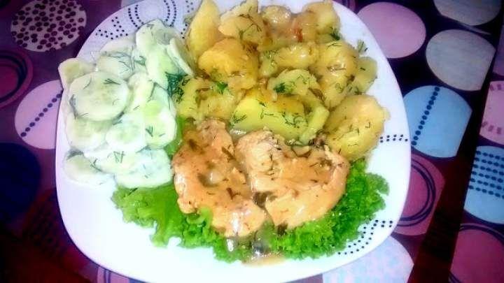 Filet z kurczaka w sosie czosnkowo-koperkowym (190 kcal)