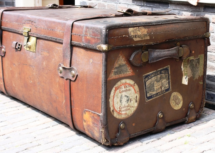 17 best images about vintage koffer on pinterest vintage luggage tes and painted suitcase