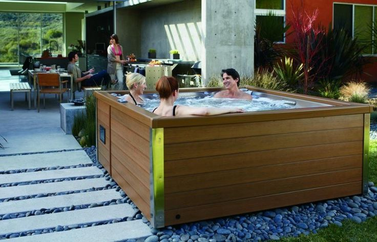 25 best ideas about backyard hot tubs on pinterest - Jacuzzi para jardin ...