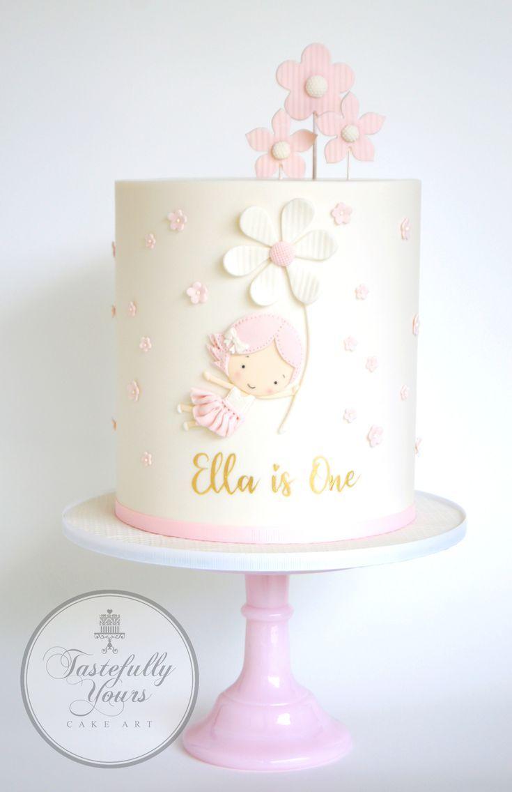 Erster Geburtstagskuchen für Mädchen mit Blumen – Maßgeschneiderte …   – baby kuchen