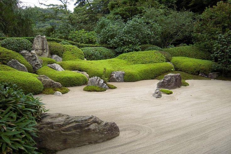 jardin zen moderne-sable-rochers-lits-buis
