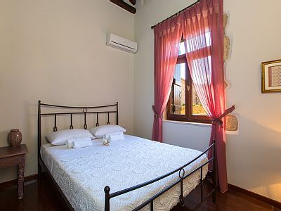 Rethymno villa rental - All bedrooms are spacious, sunny and airy!