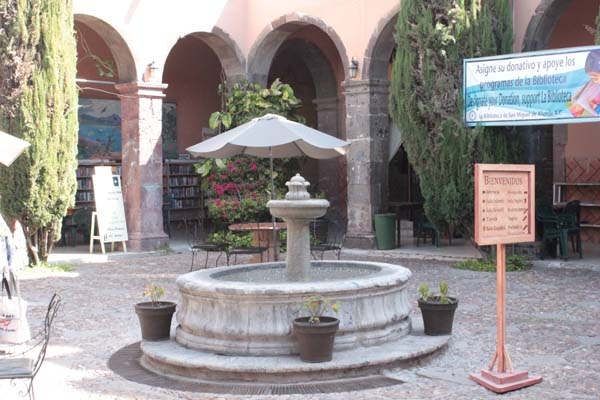 fountain in latin