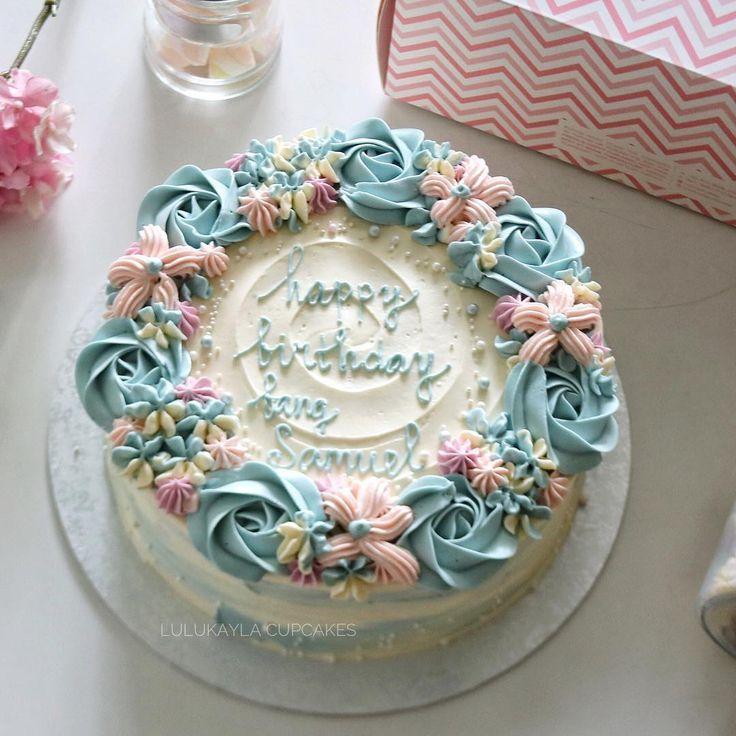 #cake #cakeshop #cakes #cakejakarta #cupcakes #cupcakejakarta #cafejakarta #lulukaylacupcake #kuejakarta #kueultah #kue #birthdaycake #JKTINFOOD #JKTFOODIES #buttercreamcake #customcake #customcakejakarta #flowercake #cupcakesjakarta #signaturelk