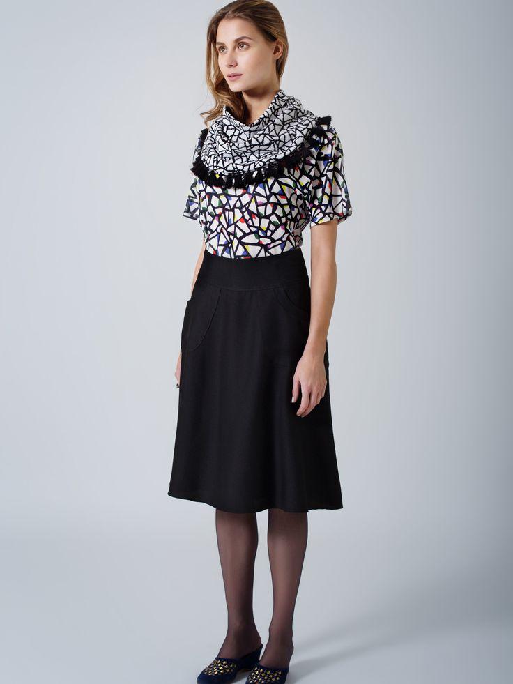 Unique partridge print T-shirt / Print unisex scarf / Black wool flare skirt