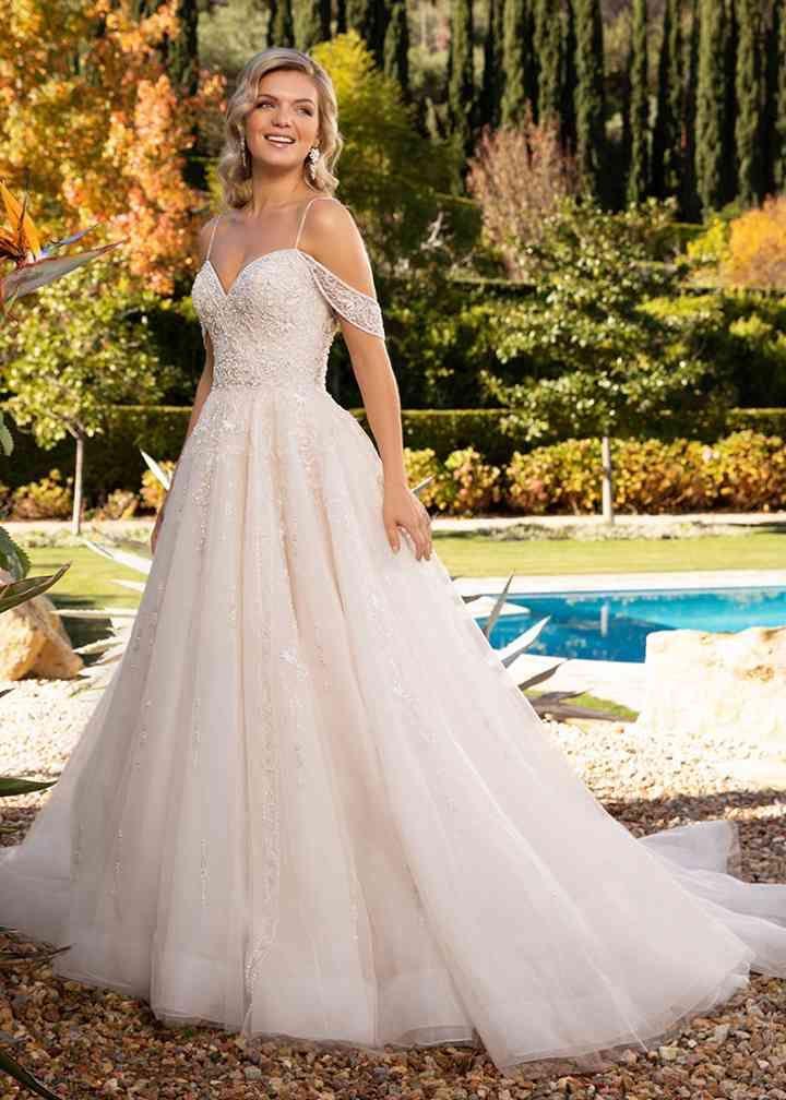 Wedding Dress Out Of Casablanca Bridal 2389 Rachel In 2020 Ball Gowns Wedding Unusual Wedding Dresses Wedding Dresses For Girls
