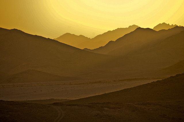 Jordan / Wadi Rum - Sunset by Manu Foissotte