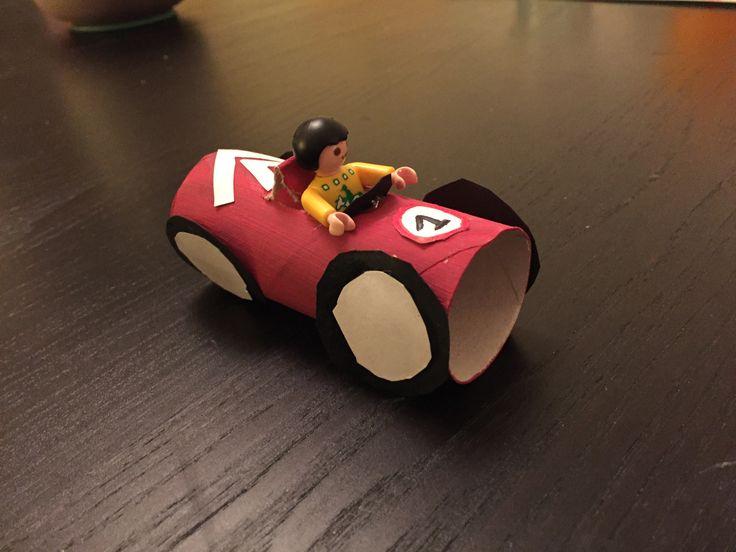 Race auto van een wc rolletje!