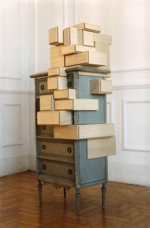 '' J'aimerais mélanger des styles...''  Voilà une opportunité pour marier le Louis XVI au minimalisme contemporain.