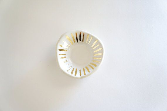 MADE TO ORDER white and gold porcelain ring dish this would be a precious container for wedding rings and photo art--with snow and winterberries--so pretty