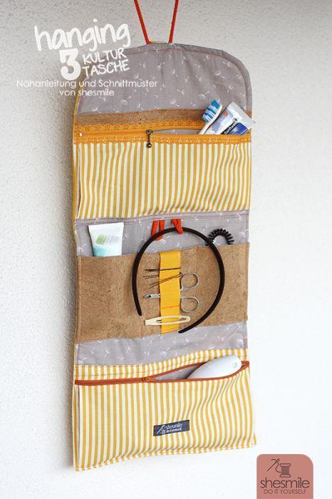 Hängende Kulturtasche Hanging3 (Nähanleitung und Schnittmuster von shesmile) Hier genäht mit Design-Elementen aus Kork.