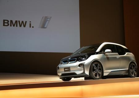 【BMWが電気自動車をアマゾンで売るワケ】 499万円の「i3」がネットで注文可能に:  http://bit.ly/1DxhY1D
