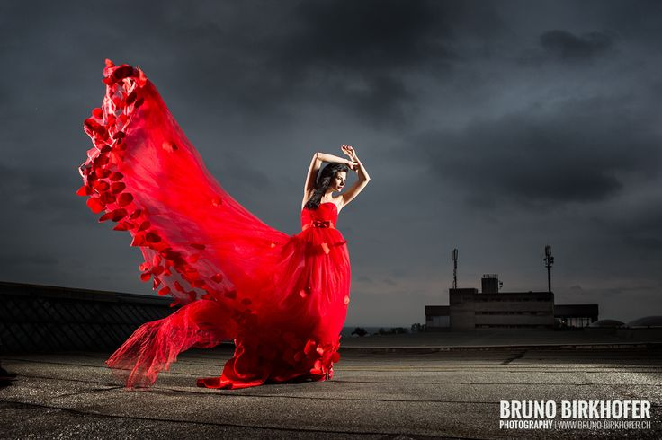 Photograph The red dress by Bruno Birkhofer on 500px