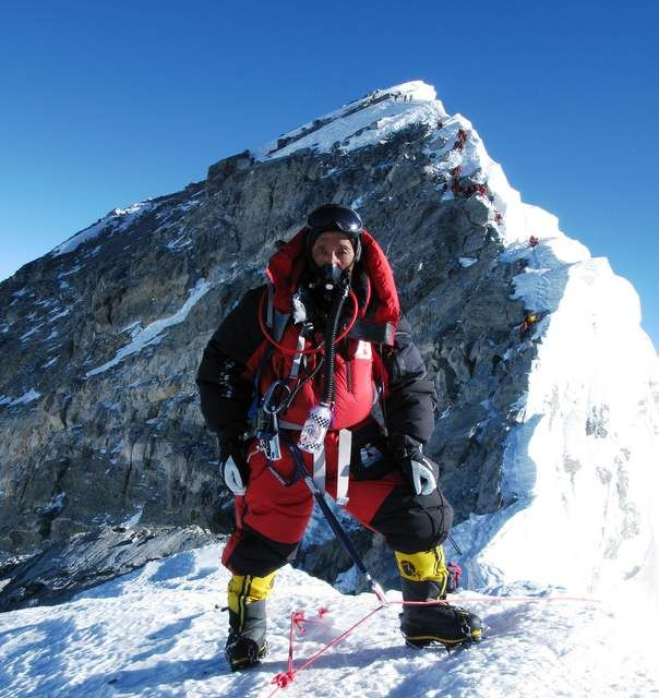 Meet the Man Who's Climbed Mt Everest 21 Times: Apa Sherpa - http://sectionhiker.com/meet-the-man-whos-climbed-mt-everest-21-times-apa-sherpa/